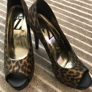 Type Z Shayla Animal/Leopard Open Toe Platform